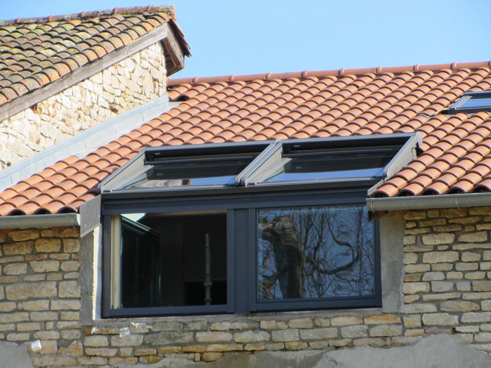 Exemples de fen tres de toit sa ne seille charpente for Fenetre toiture