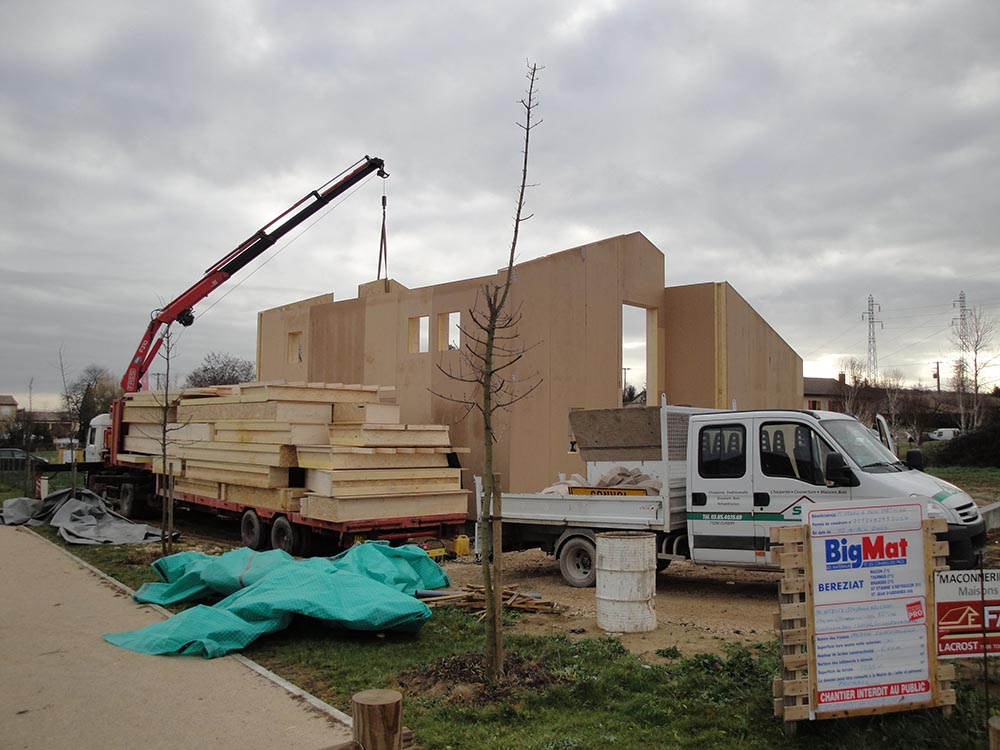 Construction d 39 une maison d 39 habitation sa ne seille charpente for Construction bois 71