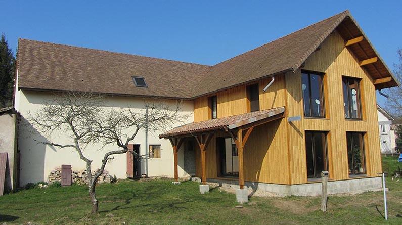 Sa ne seille charpente construction maison bois en sa ne for Extension maison 85